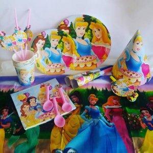 כלים חד פעמיים ליום הולדת קונספט - יום הולדת נסיכות