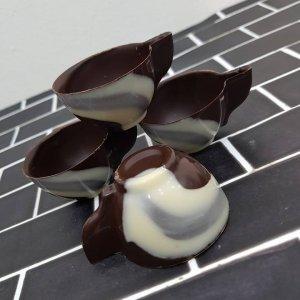 ספלי שוקולד מריר חלב