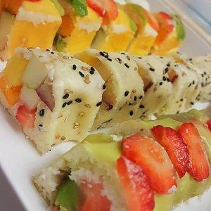 סושי פירות ודפי אורז